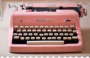 Royal-Typewriter_storybookloveaffair_blogspot1